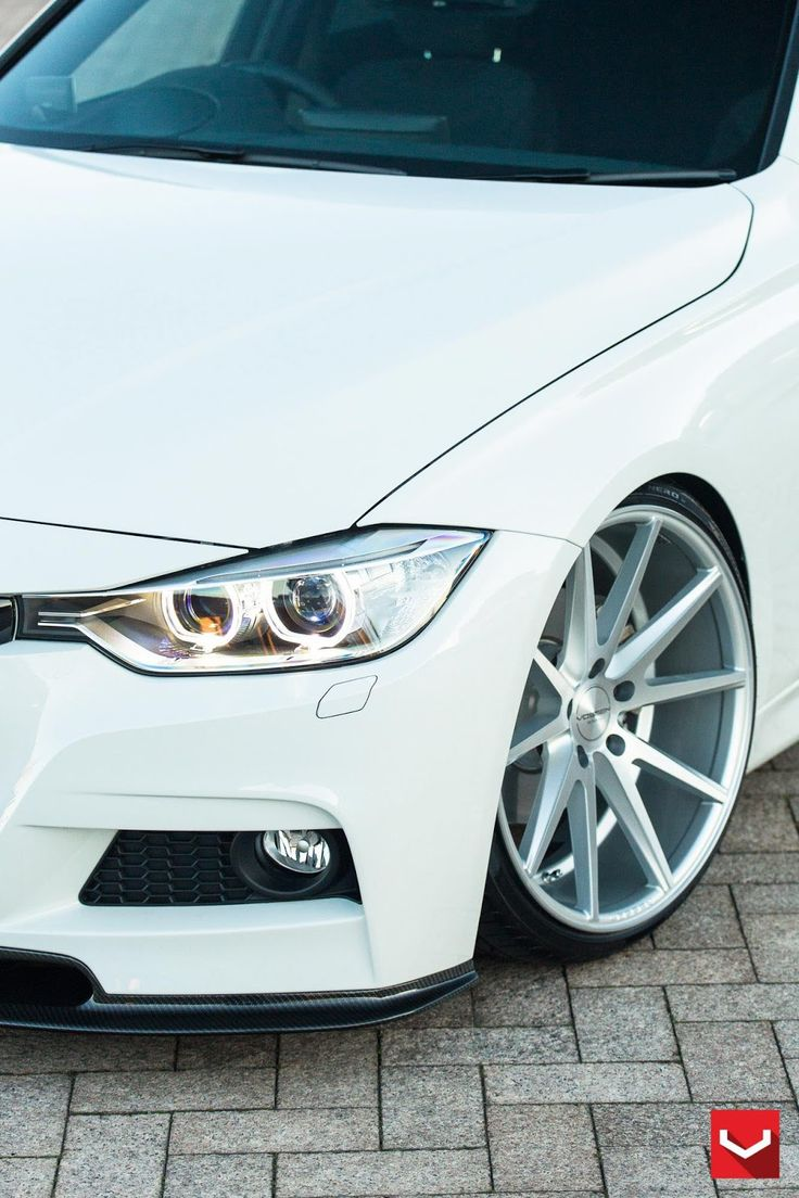 White BMW 320d Touring drops by for Vossen Wheels photoshoot.