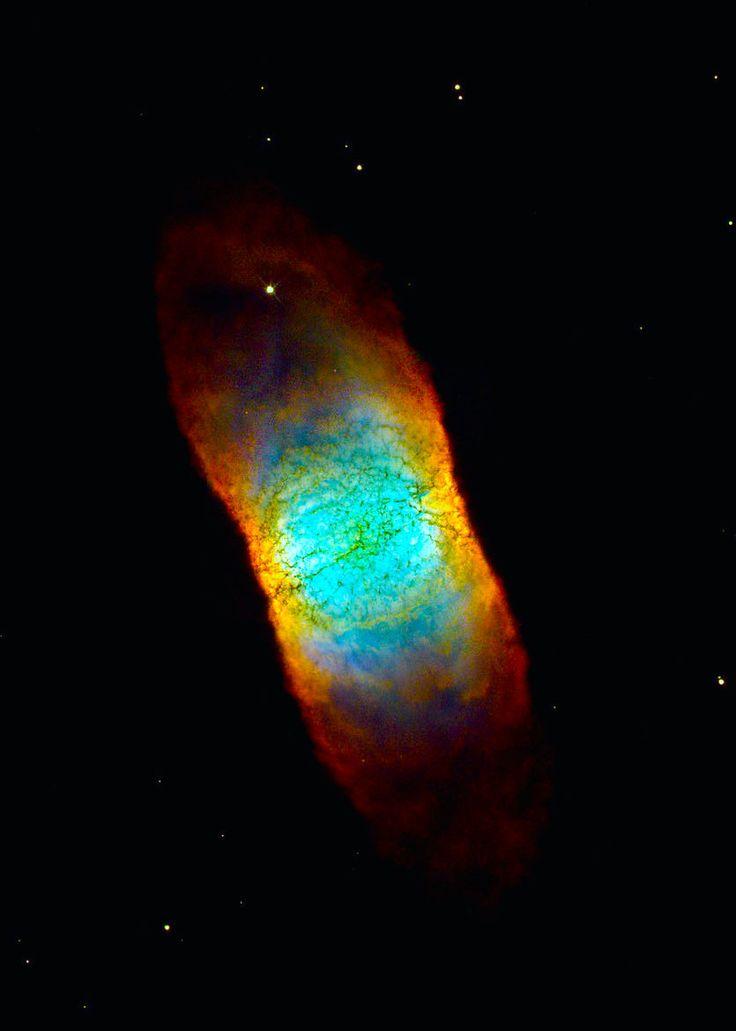 Planetary nebula IC 4406 in the constellation Lupus Image credit: NASA/ESA Hubble Space Telescope.  ( IC 4406 è una nebulosa planetaria nella costellazione del Lupo appartenente alla classe delle nebulose planetarie bipolari. Una nebulosa bipolare è una particolare formazione nebulare caratterizzata da una simmetria assiale bilobata. Cioè, potrebbe essere che i due tipi di nebulose siano direttamente correlate da una relazione temporale, ossia l'una potrebbe essere la conseguenza…