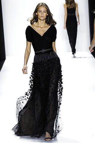 stunning black | bill blass: Black Dresses, Dresses Fashion, Formal Dresses, Skirts, Evening Gowns, Black Gowns, Fashion Fall, Bill Blass, Stunning Black