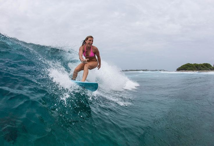 17 Best Destinations For Winter ☼ Sun Holidays, via @topupyourtrip In Pic: Surfing in Sri Lanka