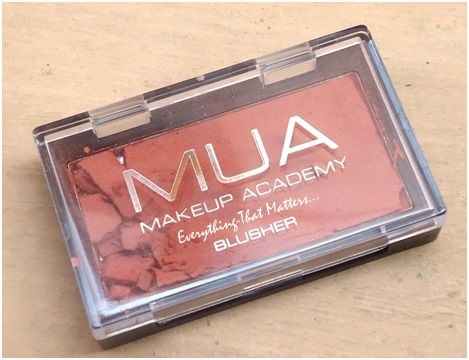 "Make Up Academy (MUA) blusher ""Shade No.3"" :Swatches,Review & FOTD  http://www.everything-thatmatters.com/2013/02/make-up-academy-mua-blusher-shade-no3.html"