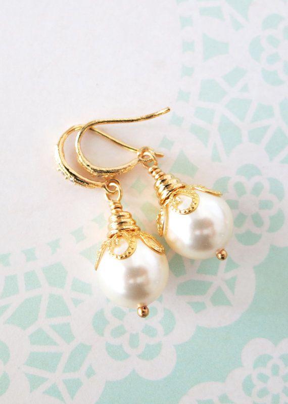 Simple Gold Pearl Earrings with Swarovski Pearl