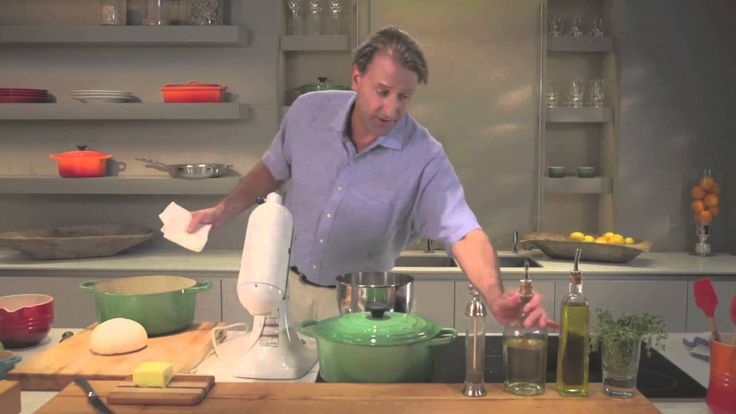 Bread in the Dutch Oven http://www.cutleryandmore.com/le-creuset/dutch-ovens-casseroles?src=YouTube&utm_medium=YouTube&utm_campaign=LeCreusetBakingBread • Enameled cast iron cookwar...