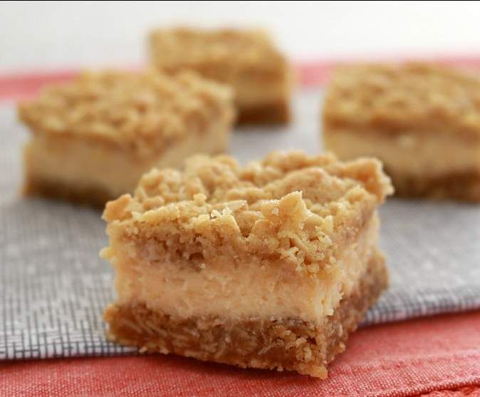 Recipe Creamy lemon crumble bars by Bake Play Smile - Recipe of category Baking - sweet