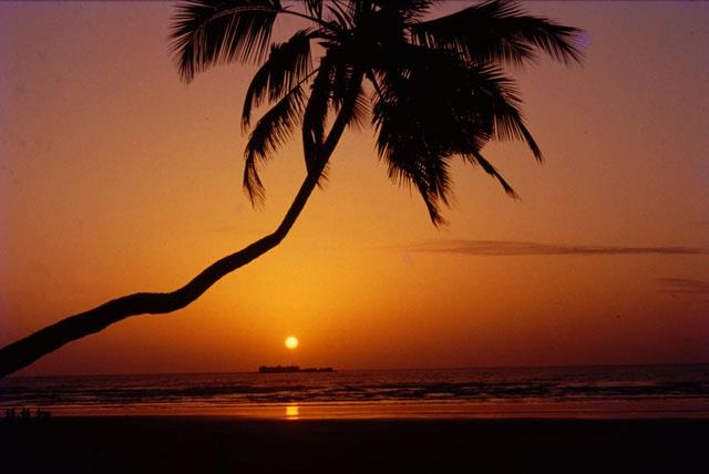 The sunset captured beautifully at Murud-Janjira Beach, Konkan.   Photo shared by Mr Aniket Patil. #CoxandKings