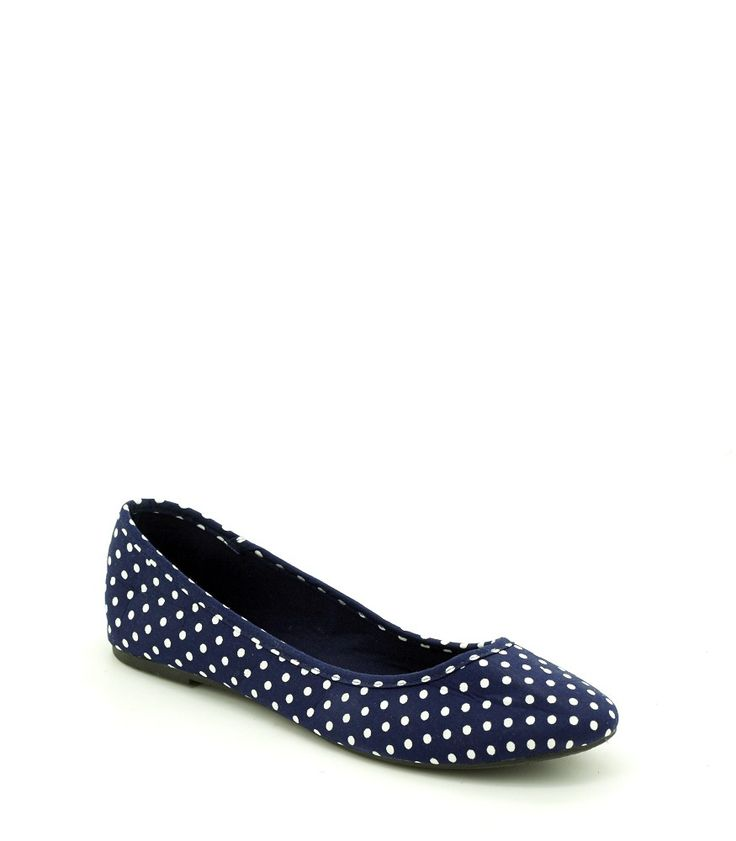 Wow! Look at this fabulous product! I've found at SophieParis.  http://www.sophieparis.com/id/index.php/women/shoes-sandals/winnie-shoes.html?color=431 #SophieParis