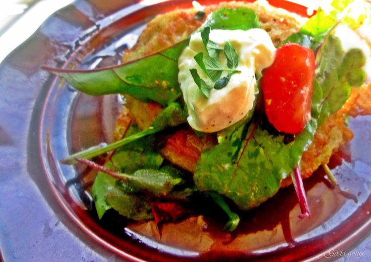 Gosia gotuje: Placki ziemniaczane z sałatką z boćwinyi i jajkiem...