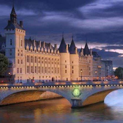 Seine River Cruises – A Delightful Way to See the City