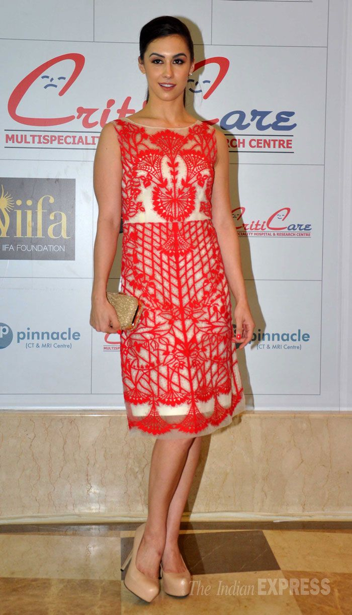 Lauren Gottlieb looked smashing in red at the inauguration of a health centre in Mumbai. #Bollywood #Fashion #Style #Beauty