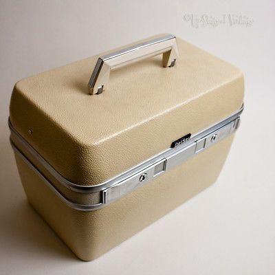 VINTAGE 70s Cream & Red DelSey VANITY CASE Travel Hand Luggage Weekend Bag MUA
