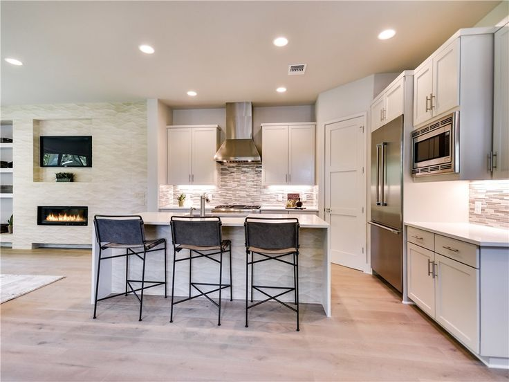Downtown Austin Texas Kitchen with style and function!