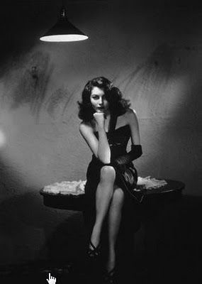 ava,gardner,black,and,white,film,film,noir,film,still,femme,fatale-ad67f6844d09d3d898d0898de34aabe9_h.jpg (285×400)