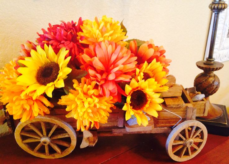Fall Wagon Centerpiece