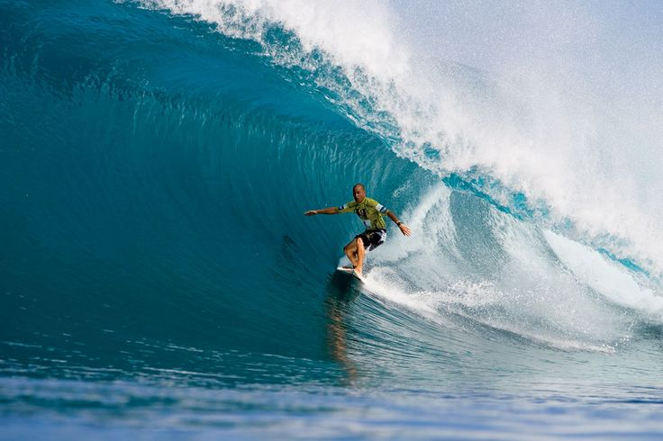 Slater at the Billabong Pipeline Masters, 2005
