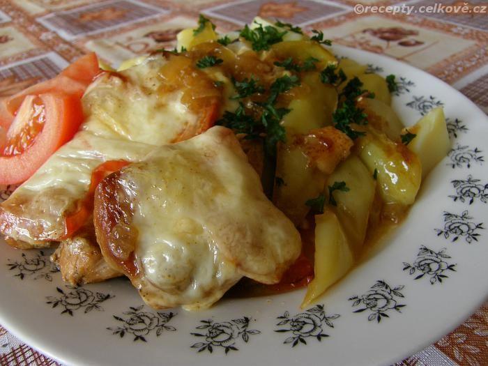 Recepty - Celkově.cz - foto - Vepřové maso dušené na pivě, se sýrem a jako příloha brambory
