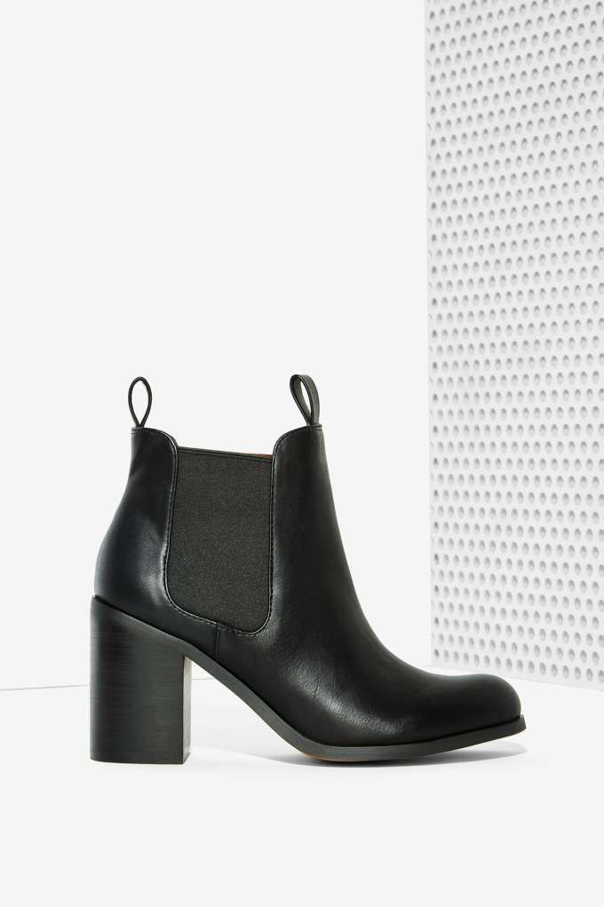 Lipstik Shoes Nettle Chelsea Boot | Shop Shoes at Nasty Gal!