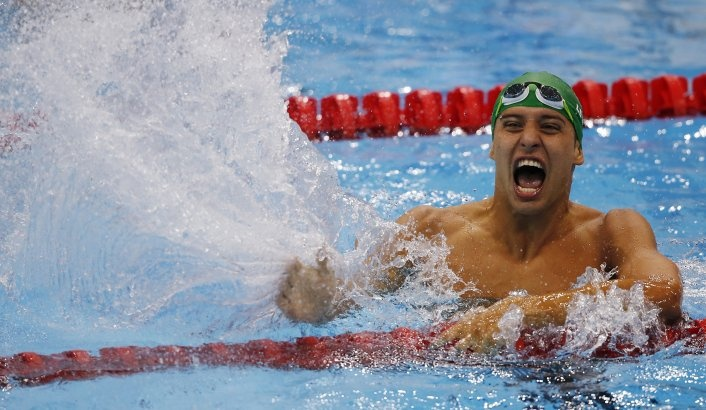 Chad le Clos wins gold at the 2012 Olympics just beating his hero, Michael Phelps, in the 200m butterfly