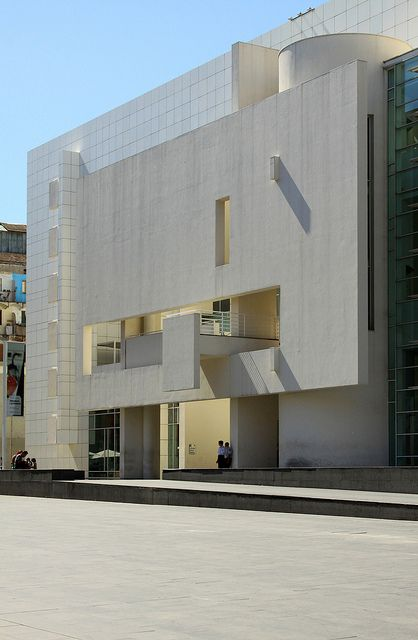 Barcelona Museum Of Contemporary Art, Macba by Richard Meier, photo by asli aydin, via Flickr