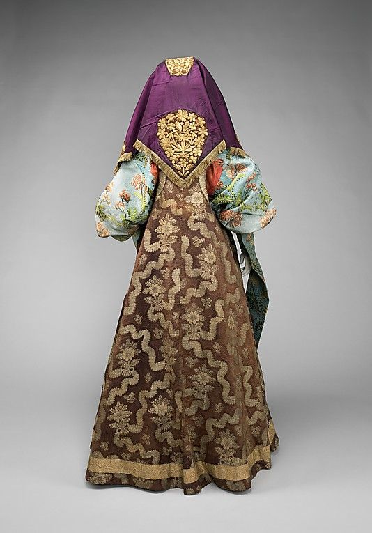 Silk, cotton, metal.  Late 18th-19th Century. Russian.  Brooklyn Museum Costume Collection at The Metropolitan Museum of Art, Gift of the Brooklyn Museum, 2009; Gift of Mrs. Edward S. Harkness in memory of her mother, Elizabeth Greenman Stillman, 1931