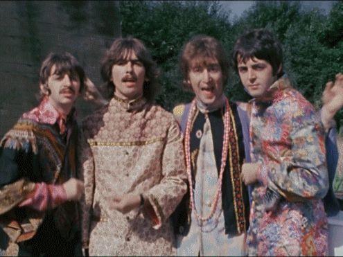Beatles GIF tumblr_mf2u5ryeXl1rwnvmvo1_500.gif (495×371)
