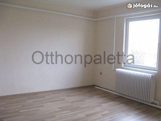 Üres,82nm-es,2+1 szobás családi ház eladó
