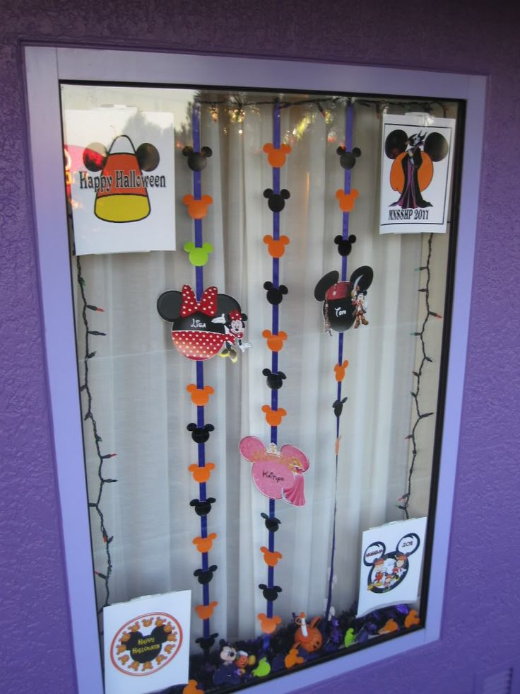 17 best Disney Halloween Decorations images on Pinterest - halloween window decorations