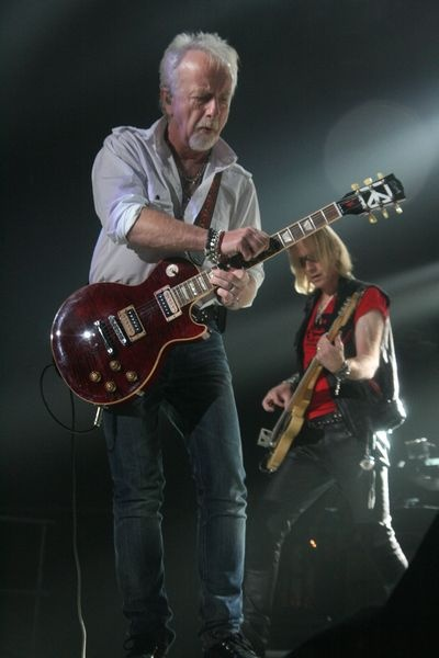 Here we have Brad Whitford and Tom Hamilton the bass guitarist and guitarist.