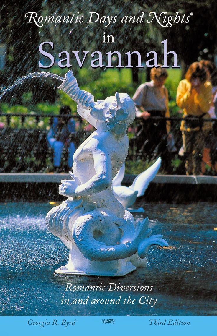 A book review of romantic getaways in Savannah, Georgia.