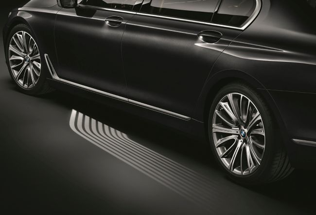 Luxury Car Light Carpets - The New BMW 7-series Features Lights to Guide You to the Driver's Seat