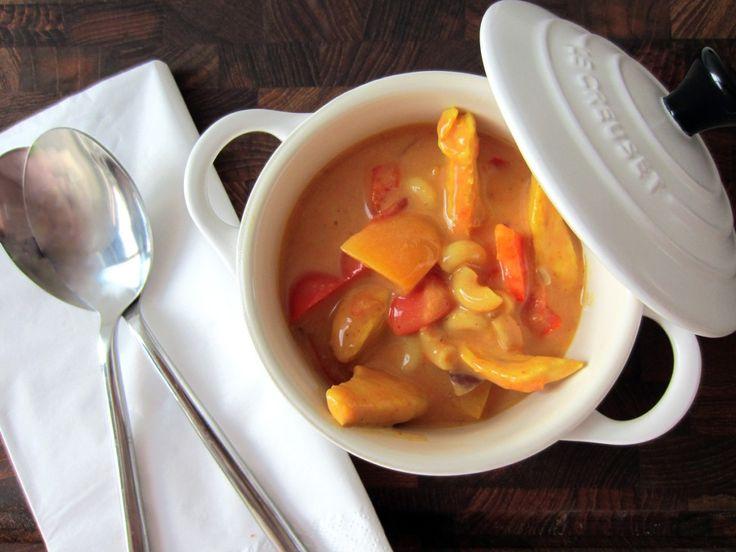 Karry- og tomatsuppe med ferskner