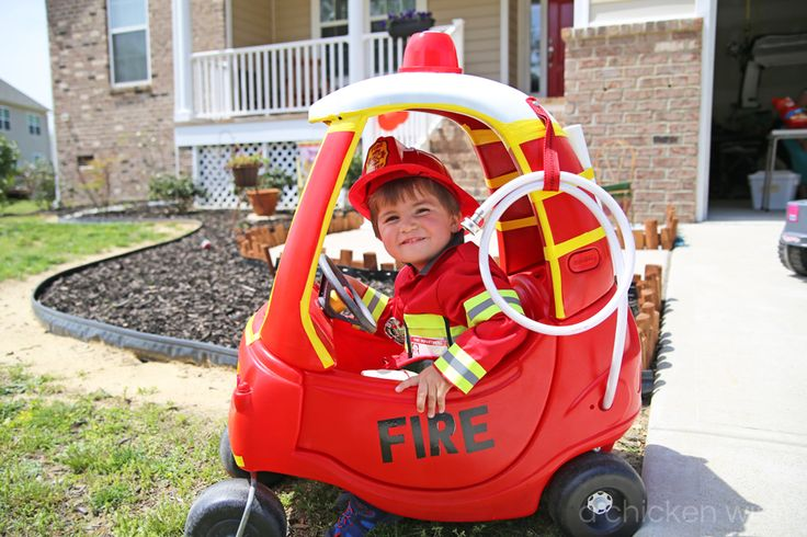 How to re-purpose a cozy coupe into a super cool fire truck! http://www.achickenwish.com/little-guy-fire-truck/