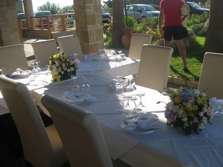 wedding table decoration for a beach wedding