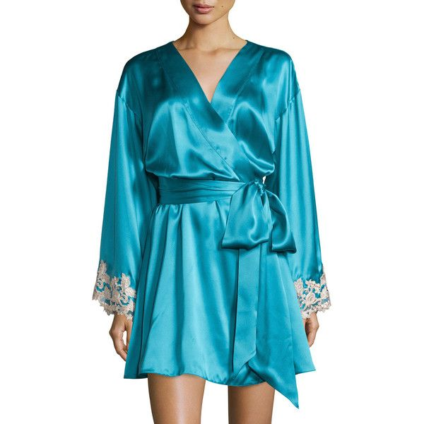 La Perla Maison Lace-Trim Short Robe (£870) ❤ liked on Polyvore featuring intimates, robes, champagne, short dressing gown, short bathrobe, bath robes, tie belt and lace trim robe