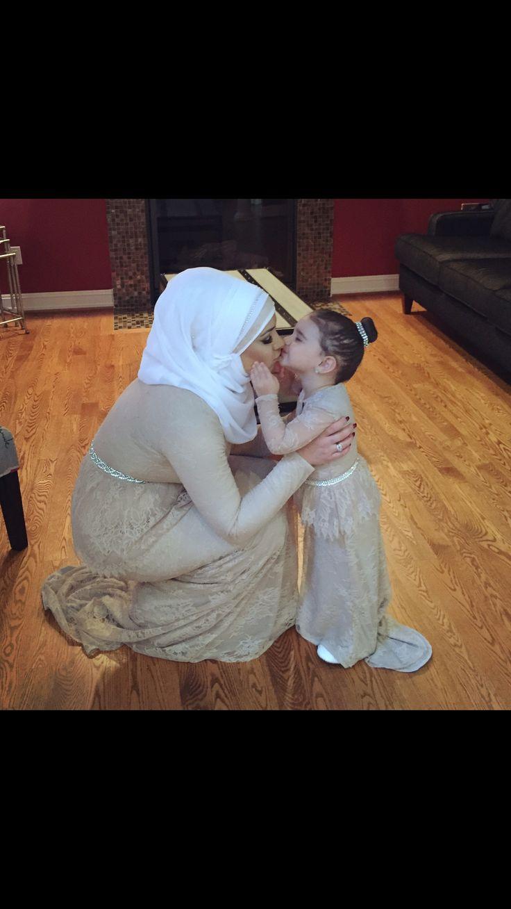 Mother daughter matching dresses #hijab #hijabfashion #motherdaughter