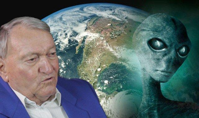 """Der Schweizer Erich von Däniken befasst sich seit Jahrzehnten mit der Menschheitsgeschichte. Er hat Bücher mit Millionenauflagen geschrieben und ist überzeugt: """"Außerirdische haben uns besucht."""" De…"""