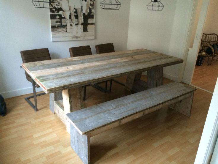 Tafel 250x100 cm met A-poten. Gebruikt Steigerhout