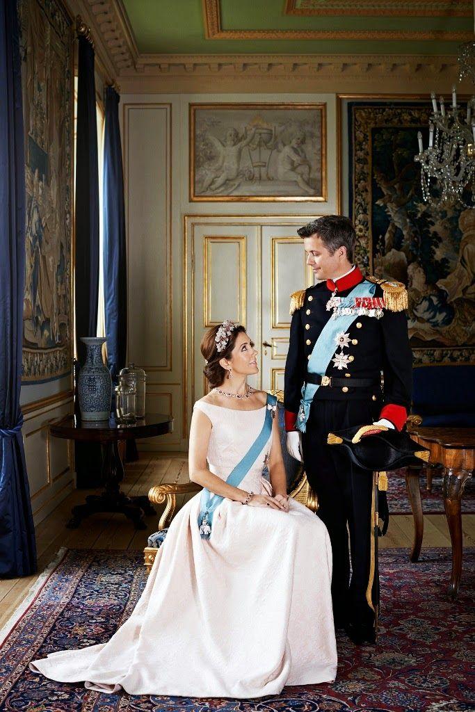 Nouvelles photographies officielles en l'honneur des 10 ans de mariage de Frederik & Mary