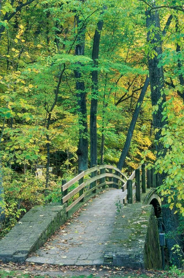 Top 10 Things to Do on a Budget in Galena | Midwest Living