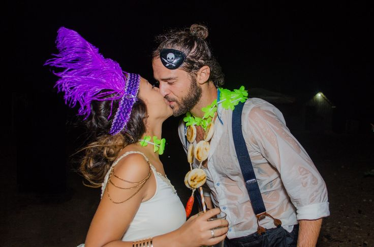 Matrimonios, hora loca. Angie y Gabri. Ranchería Utta, Guajira, Colombia. Foto de cherrymoon.co