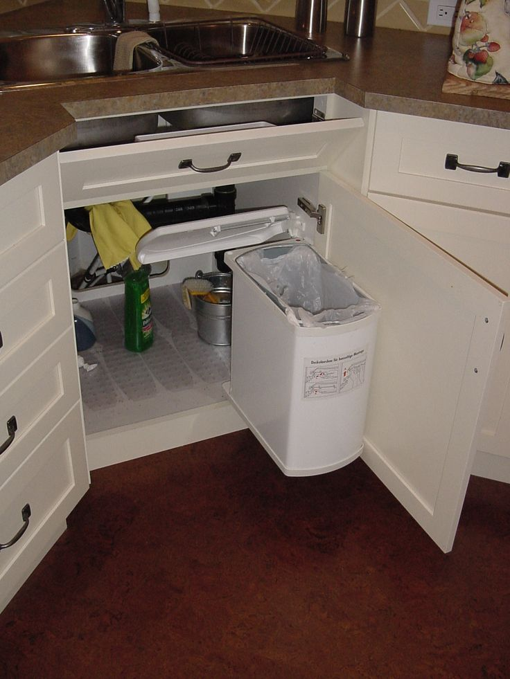 under kitchen sink trash can 105 best images about bar on sink 8702