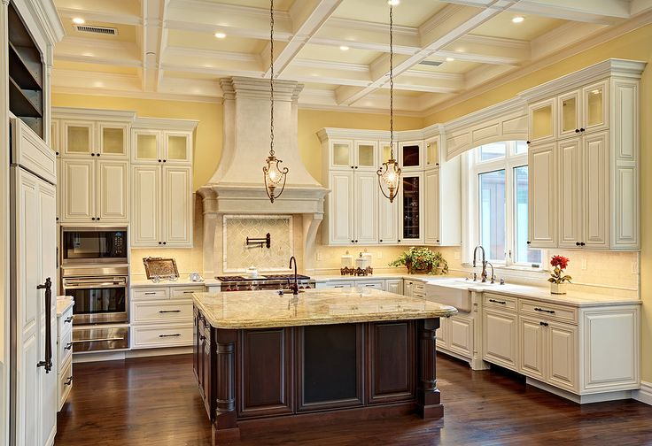 Traditional #KitchenDesigns By San Francisco Bay Area Interior Designer  #SpacesByJuliana
