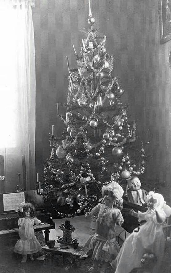 vintage photo of a decorated large feather tree victorian christmas - Vintage Christmas Trees