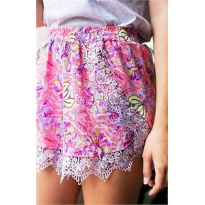 Elle Shorts Neon Floral The?Elle Shorts Neon Floral?are a feminine lace dream. The?Elle Shorts Neon Floral are made from printed material and feature layered