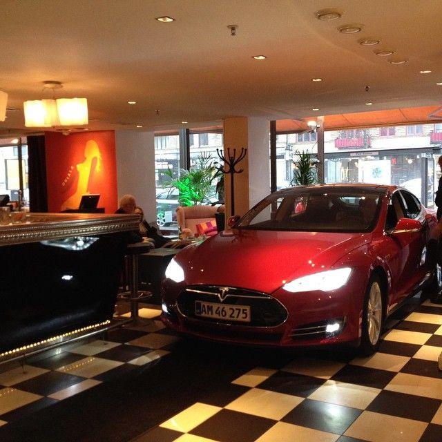 Checking in at the Elite Park Avenue Hotel in Gothenburg, Sweden #cars #tesla #vehicles #followback#cars #horsepower