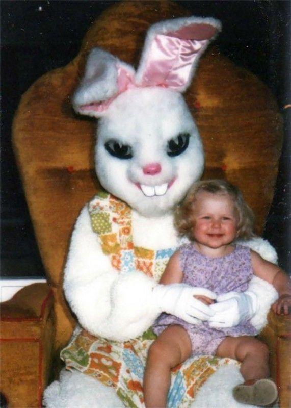 Старые детские фотографии с пасхальными кроликами, от которых волосы встают дыбом • НОВОСТИ В ФОТОГРАФИЯХ