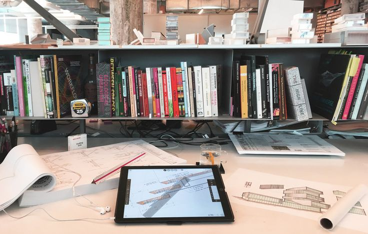 Sean Gallagher's desk at Diller Scofidio + Renfro. Image Courtesy of Morpholio