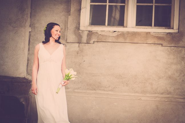 Bryllupsfotografering i Kolding ved professionel fotograf. Fotografering af bryllupper er en af vores ekspertiser. Unikke bryllupsfotos. Wedding Photographer Kolding, Denmark. http://www.fotografkolding.net/foto/bryllupsfotograf/