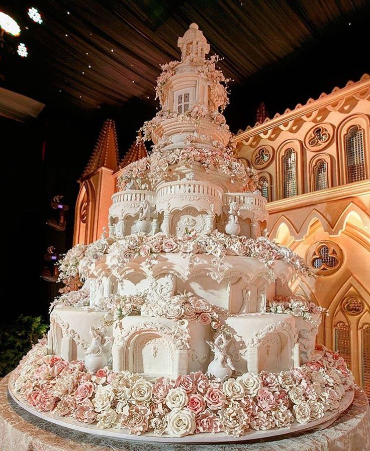 how to make a big wedding cake 47 best big wedding cakes images on big 15791