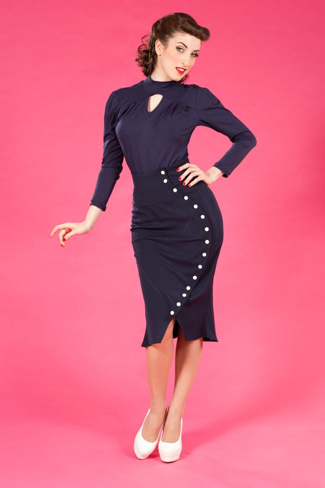 Mackenzie-Lee - Retro stretch skirt: Very vintage style skirt that enhances the curve of the hip in a very flattering fashion