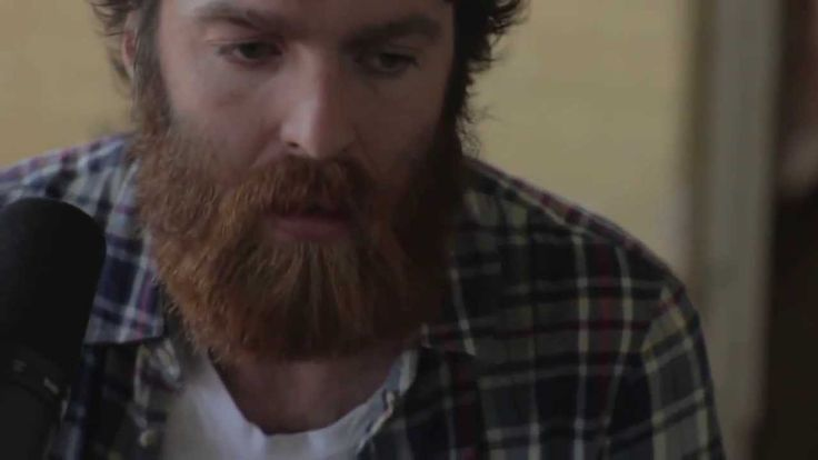 Here's another one by Chet Faker.. Because he's just that good. Chet Faker - Archangel Live Sessions